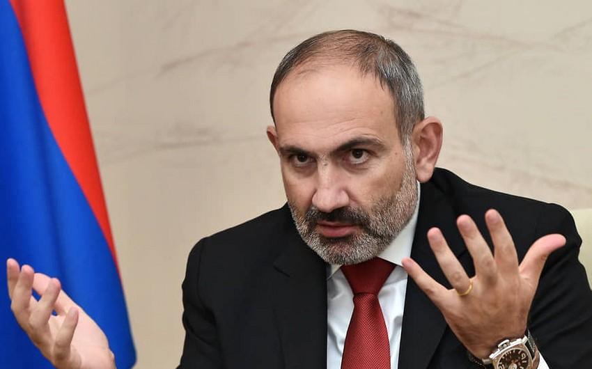 Nikol Paşinyan onu hədələyən şəxsi döydürüb