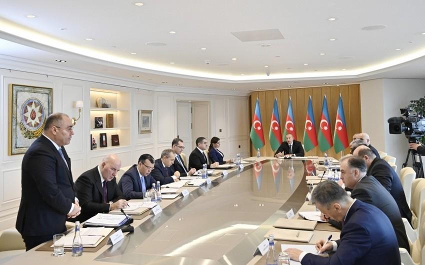 """Səfər Mehdiyev: """"Ötən il 900 milyon dollara yaxın malların dəyərini aşağı salmağa cəhdlər edilib"""""""