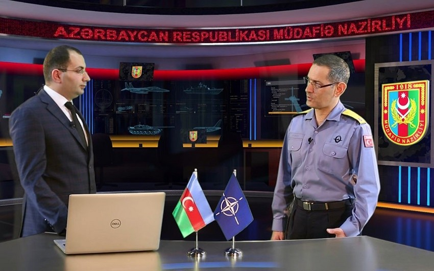 """NATO-nun kontr-admiralı: """"Azərbaycan Ordusunun hərbi qulluqçularının peşəkarlıq səviyyəsi onların güclü olduğundan xəbər verir"""" - VİDEO"""
