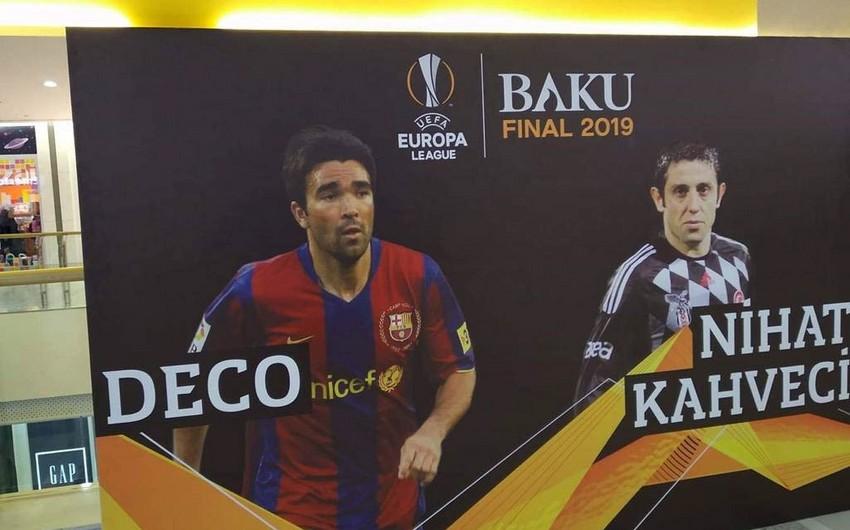 Приехавшие в Баку знаменитые футболисты раздали автографы
