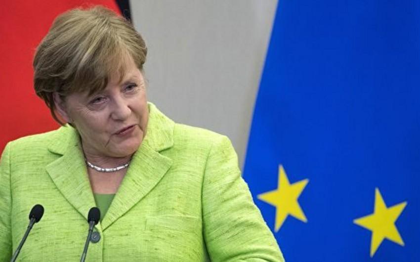 Merkel:G7 sammitində İran məsələsi konstruktiv şəkildə müzakirə edilib