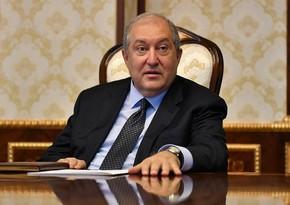 Ermənistan prezidenti qərargah rəisini istefaya göndərmədi