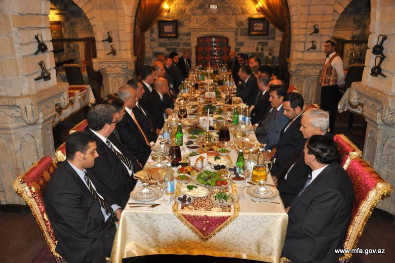 Халаф Халафов: Азербайджан старается укрепить солидарность между мусульманскими государствами