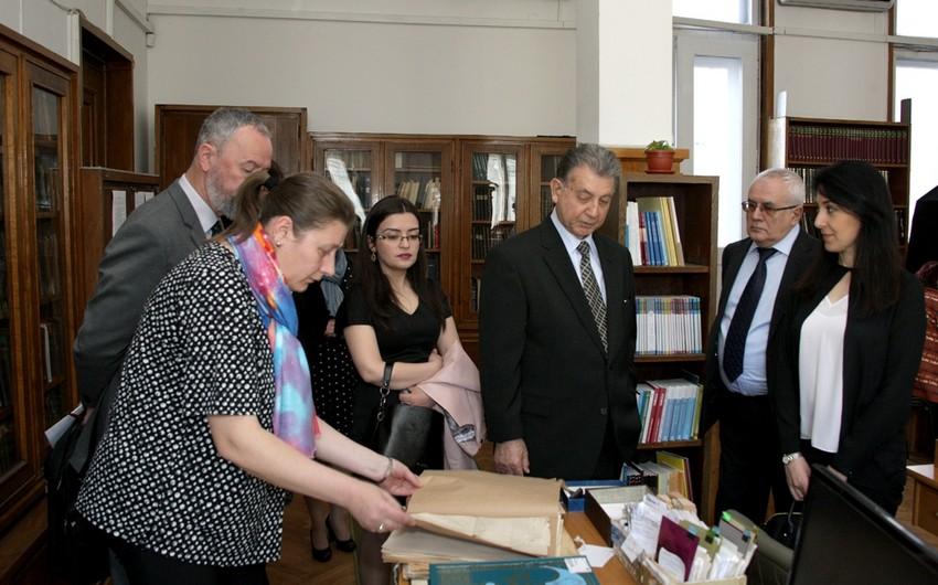 Azərbaycan atlasları Bolqarıstan Milli Kitabxanasına hədiyyə olunub