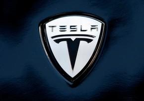 """""""Tesla"""" səhmlərini yenə də satışa çıxaracaq"""