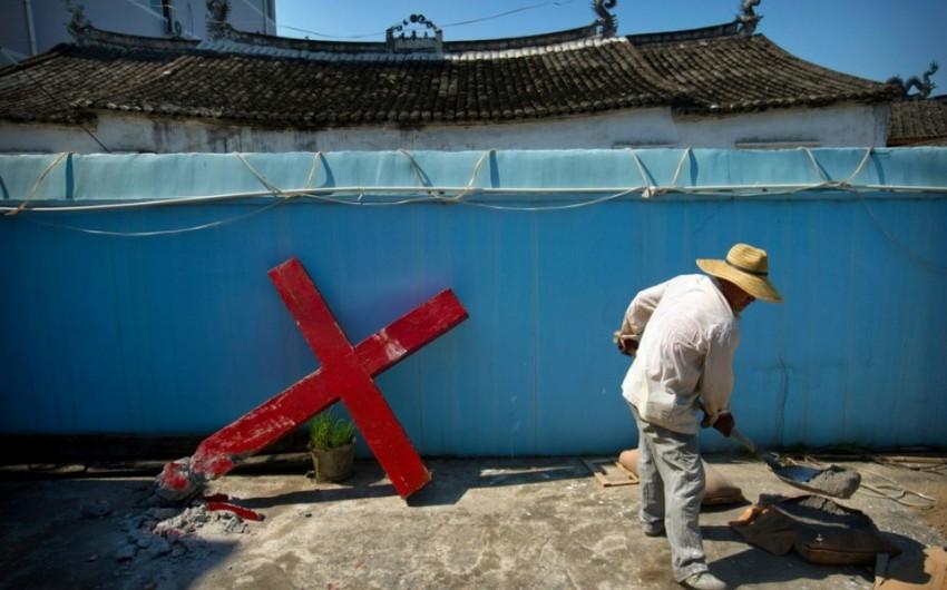 Китай снял кресты с 1,5 тыс. церквей