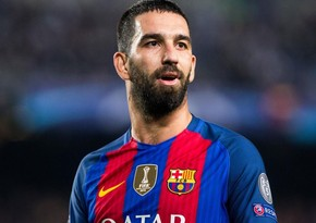 Arda Turan goes back to Galatasaray