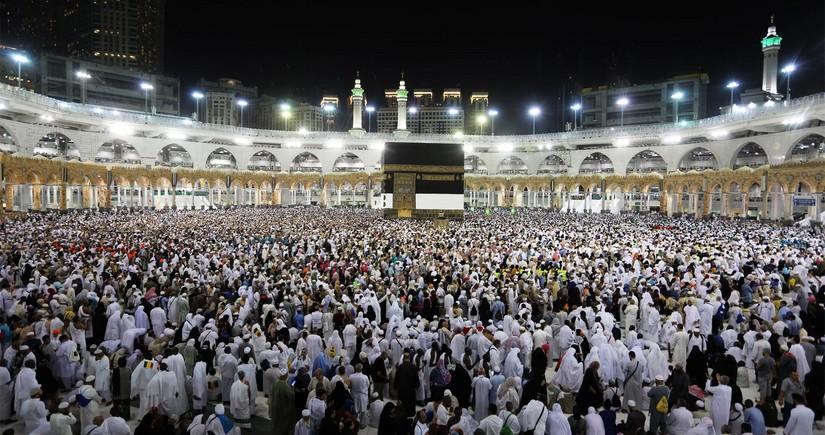Saudi Arabia to resume Umrah visits in phases