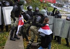 Belarusda dünənki mitinqlərdən sonra 350-dək saxlanılan var