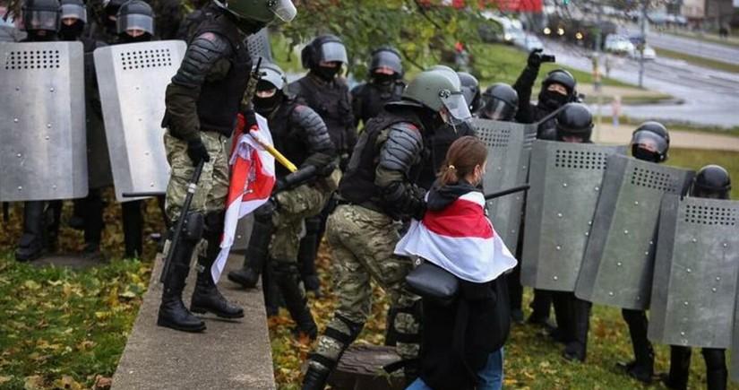 В Беларуси арестовали почти 350 человек после митингов 22 ноября