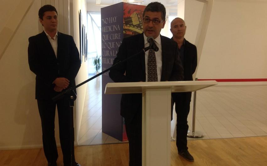 Bakıda kolumbiyalı yazıçı Qabriel Qarsiya Markesin xatirəsi yad edilib