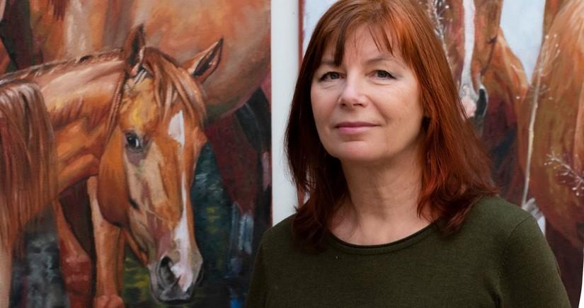 Latviyalı rəssam: Qarabağ atlarının cazibəsi məni valeh etdi