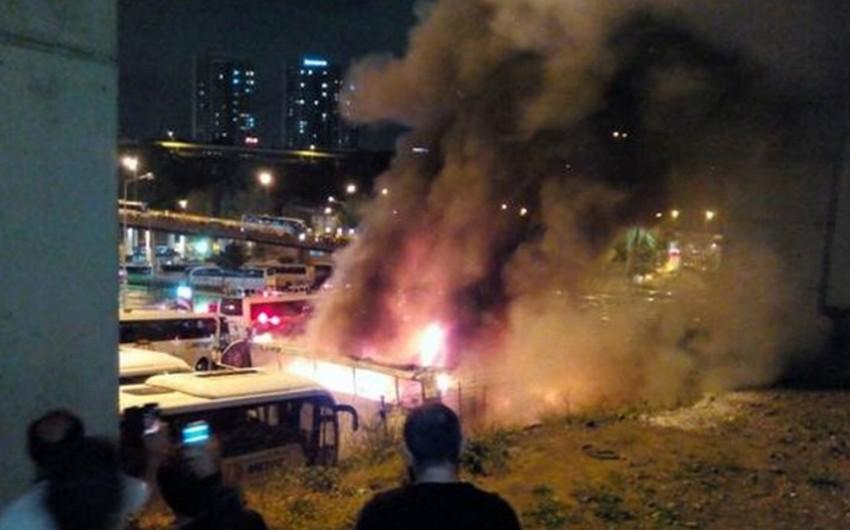 İstanbulda avtoparkda yanğın nəticəsində 4 avtobus yanıb