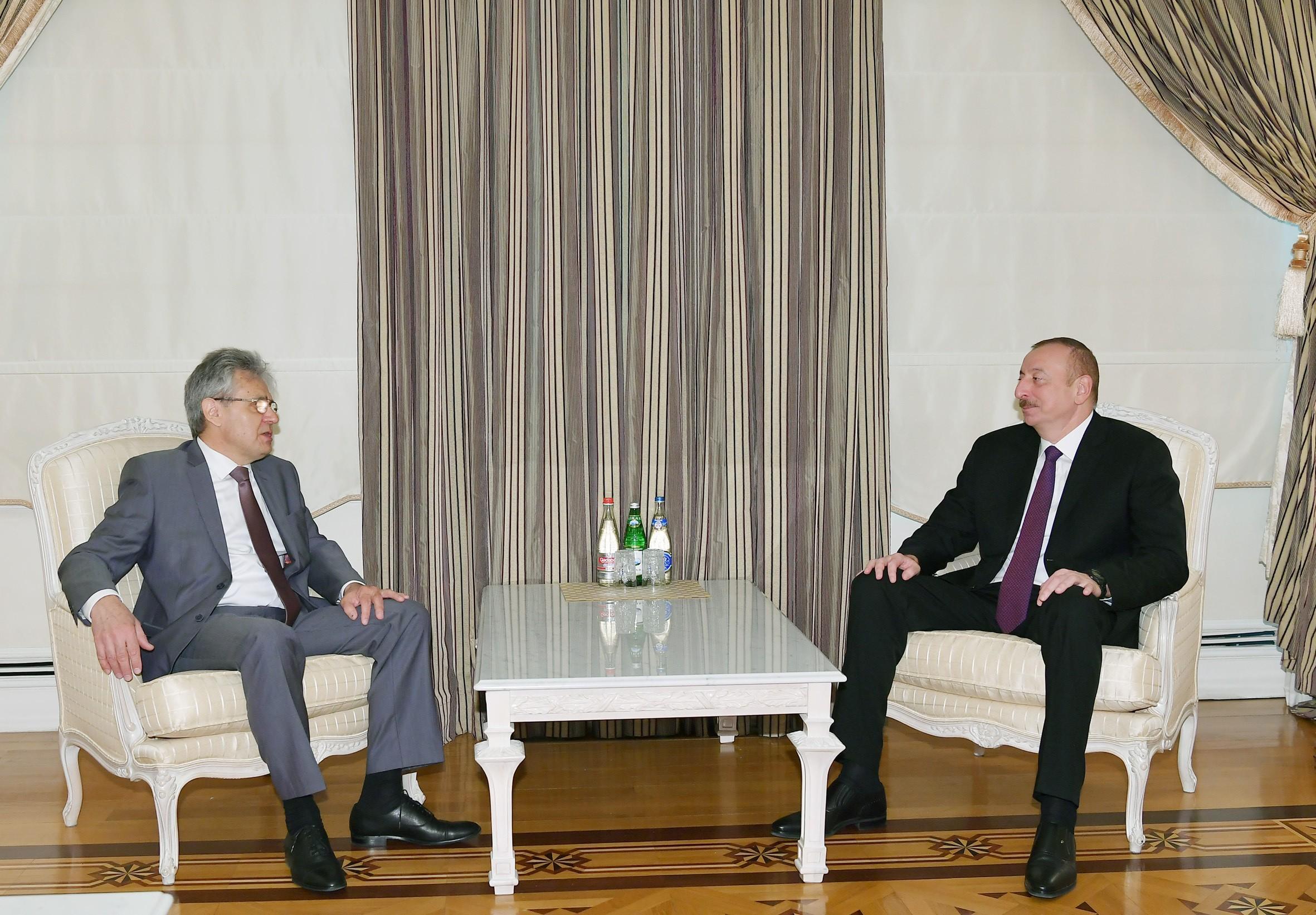 Президент Ильхам Алиев принял президента Российской академии наук