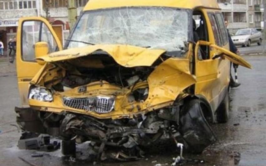 Nəsimi rayonunda yol qəzası baş verib, bir nəfər xəsarət alıb