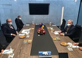 Türkiyə və Ukraynanın müdafiə nazirləri əməkdaşlığı müzakirə ediblər