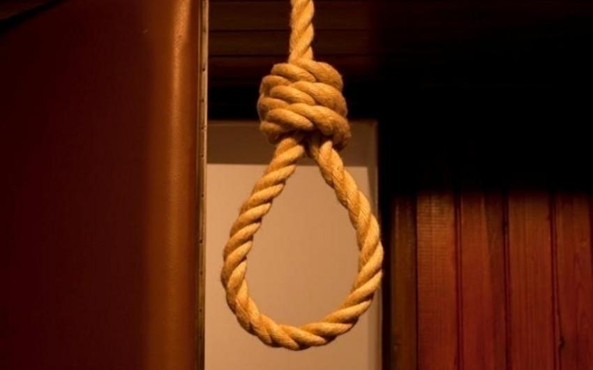 Bakıda iki kişi intihar edib
