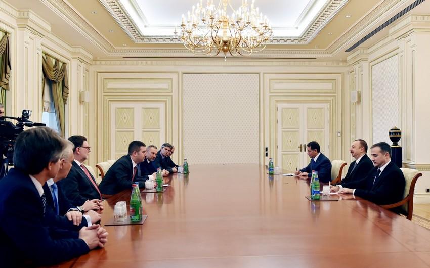 Prezident İlham Əliyev Çexiya Parlamenti Deputatlar Palatasının sədrini qəbul edib