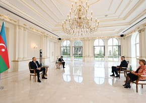 Ilham Aliyev receives credentials of new Dutch ambassador