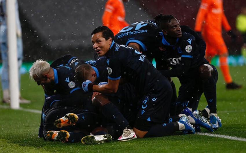 Trabzonspor Türkiyə Super Kubokunu qazandı