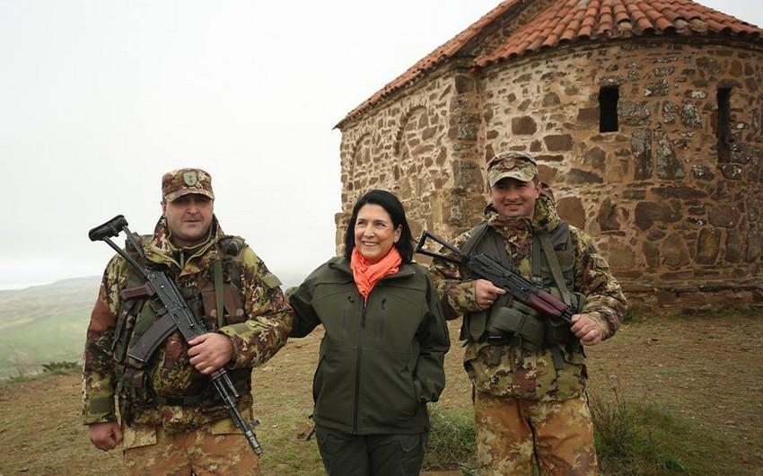 """Zurabişvili: """"Gürcüstan-Azərbaycan sərhədinin müəyyən edilməsi məsələsini təxirə salmaq olmaz"""""""