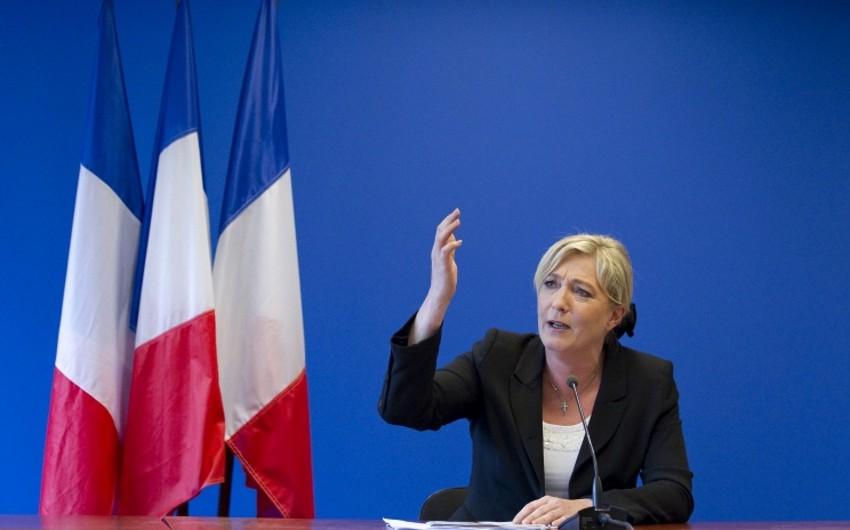 Fransanın xanım siyasətçisi məhkəməyə verilib