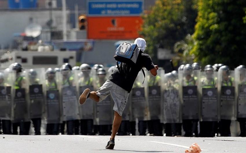 Venesuelada keçirilən etiraz aksiyalarında 88 nəfər öldürülüb
