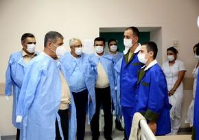Министр обороны Азербайджана посетил военный госпиталь