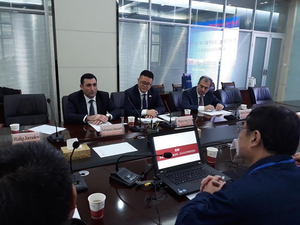 ADNSU Çin kolleci ilə müqavilə imzalayıb
