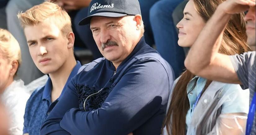 """Lukaşenko: """"Mənim Kolyam heç vaxt prezident olmayacaq"""""""