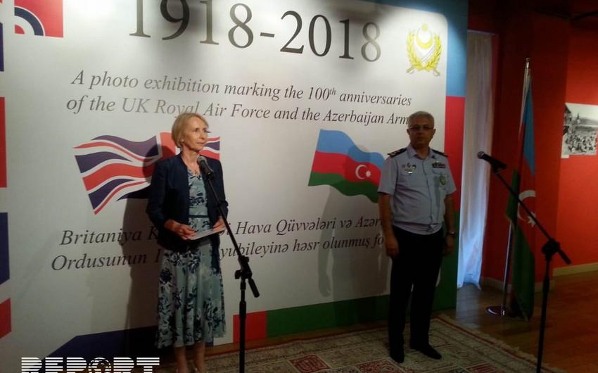 Открылась фотовыставка, посвященная 100-летию Азербайджанской армии и Королевским Военно-воздушным силам Великобритании