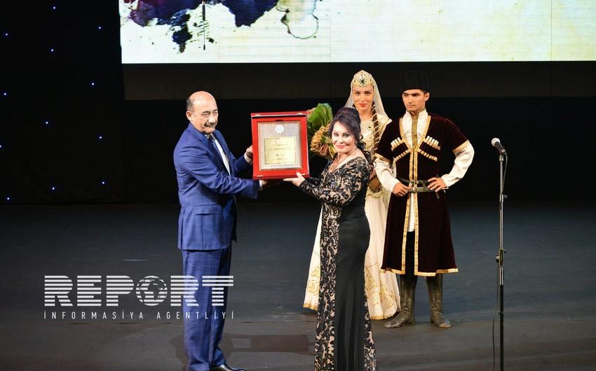 Xalq artisti Amalya Pənahovanın 70 illik yubiley gecəsi keçirilib