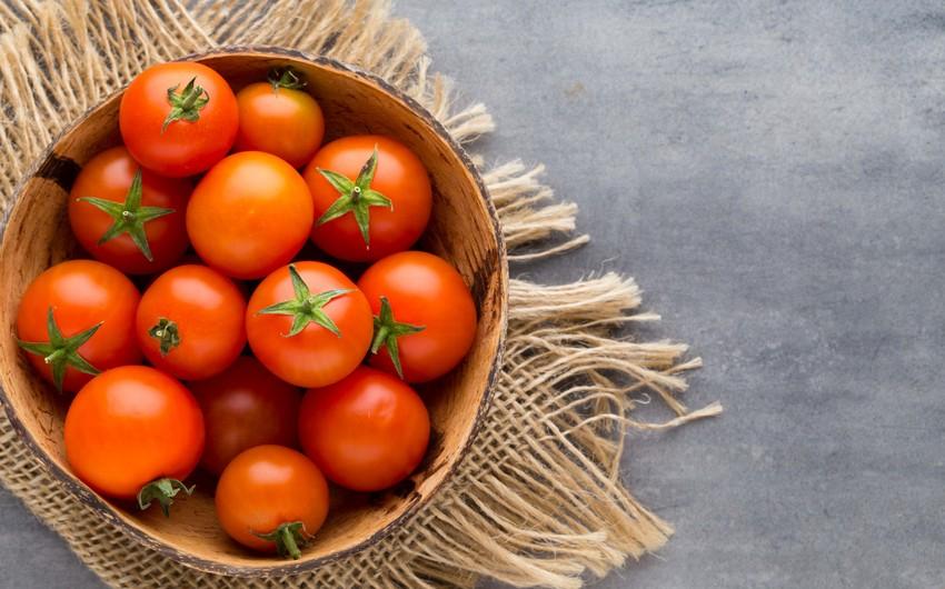 Еще 7 субъектов предпринимательства Азербайджана смогут экспортировать помидоры в РФ