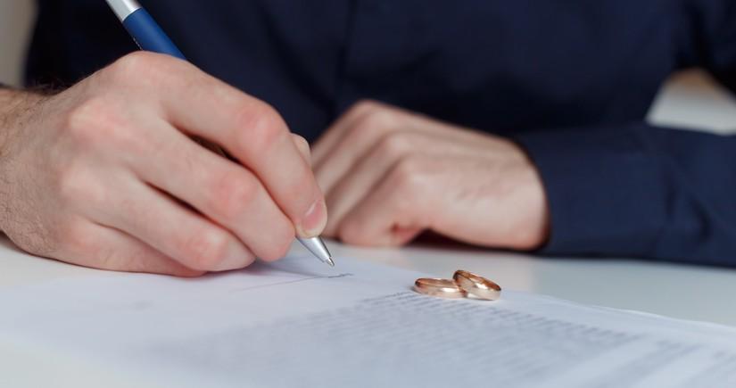 В Азербайджане в текущем году зарегистрировано более 14,7 тыс. браков и 5,4 тыс. разводов