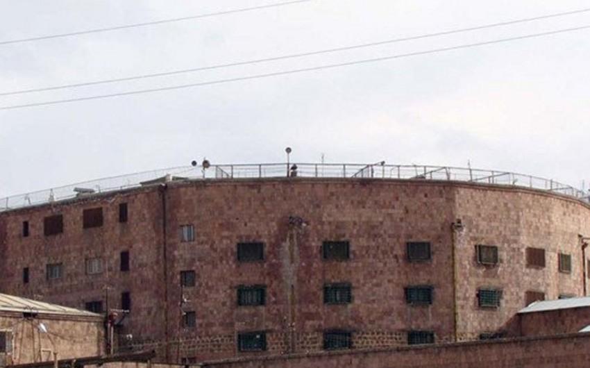 Ermənistanda partiya sədrinin müavini həbsxanada ölüb