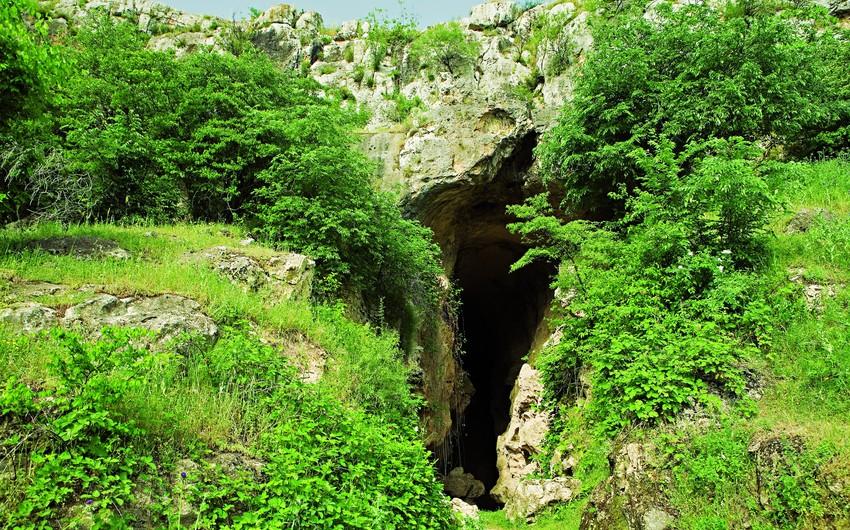 Армяне проводили незаконные археологические раскопки в Азыхской пещере