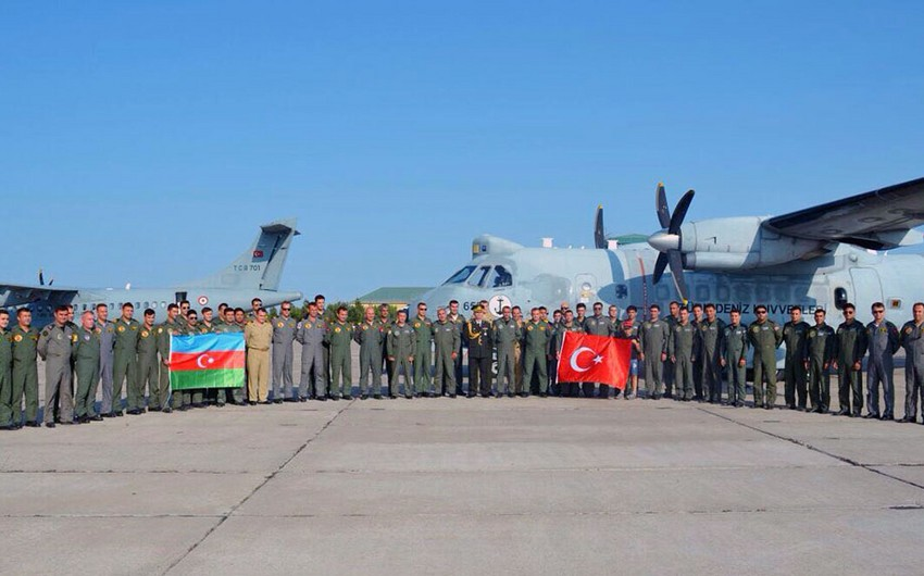 Another group of Turkish military aviation participating in the TurAz Qartalı-2017 arrive in Azerbaijan - VIDEO
