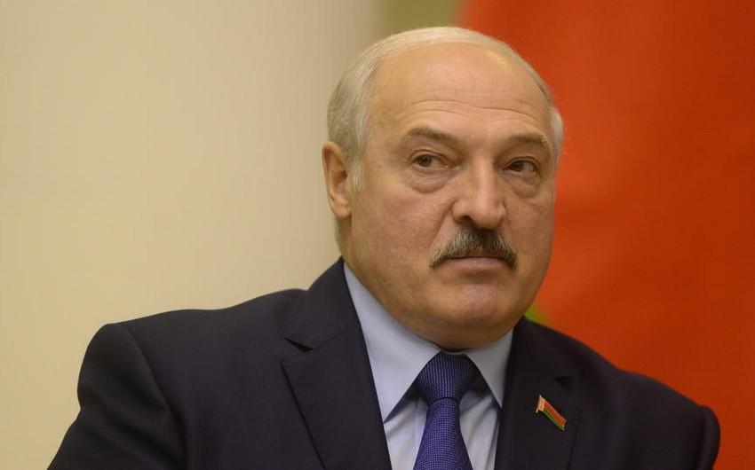 Lukaşenko: Tezliklə prezident postundan gedəcəyəm