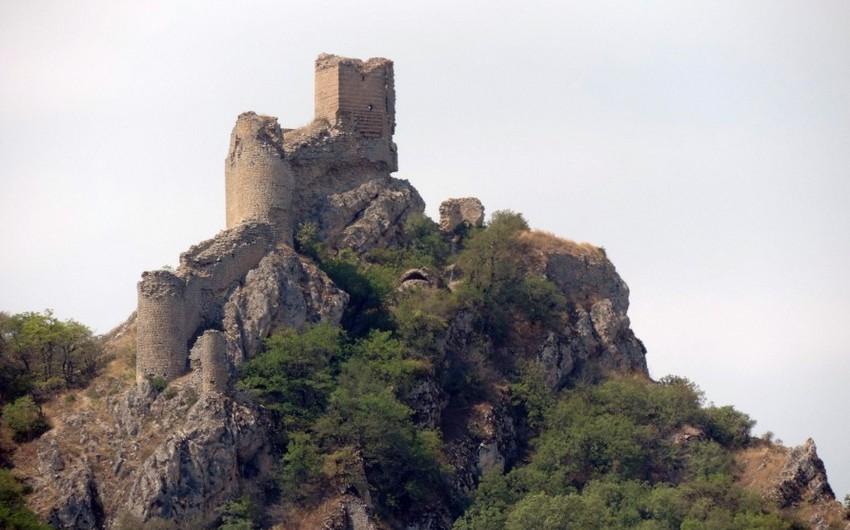 В крепости Чыраг-гала начаты восстановительные работы - ФОТО