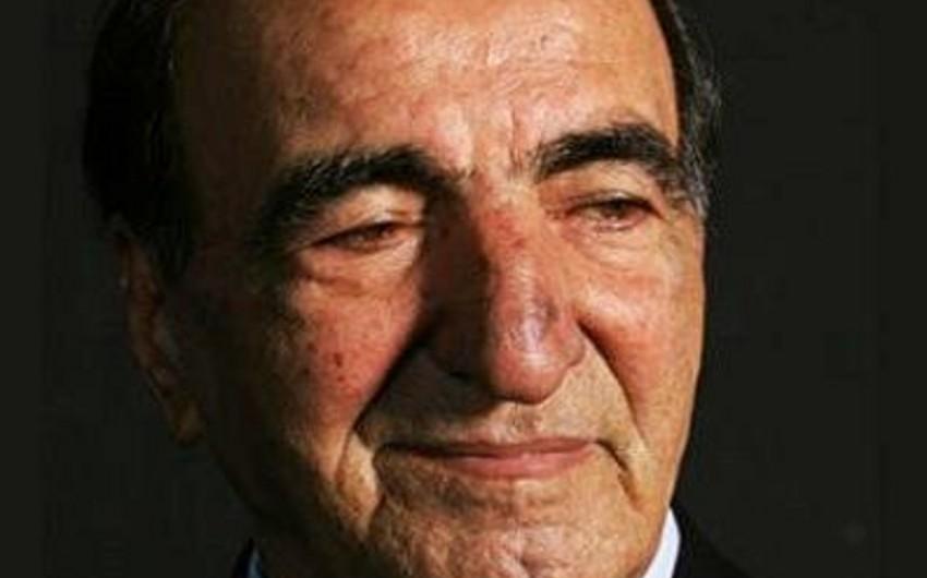Habil Əliyev az miqdarda qida qəbul edir, kəlmə-kəlmə danışır