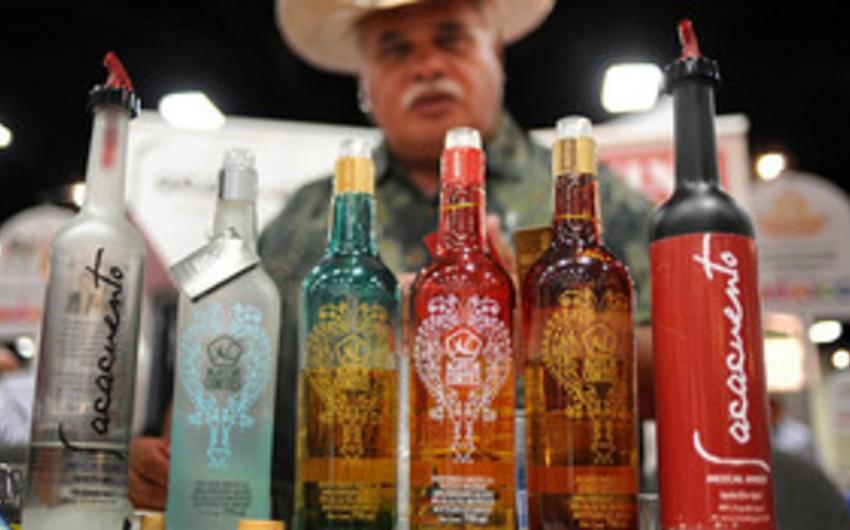 Bakıda Meksikanın ənənəvi içkisi olan meskal təqdim olunub