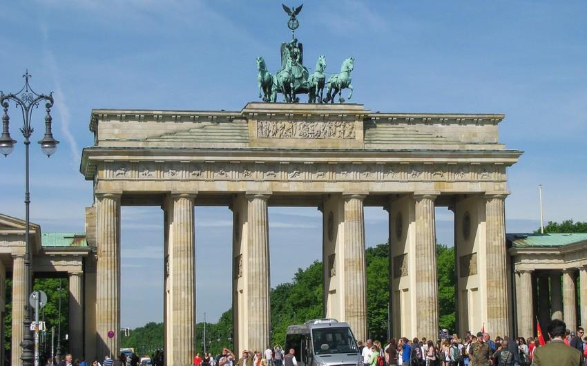 Berlində tarixi məkanları terror hücumlarından qorumaq üçün tədbirlər görüləcək