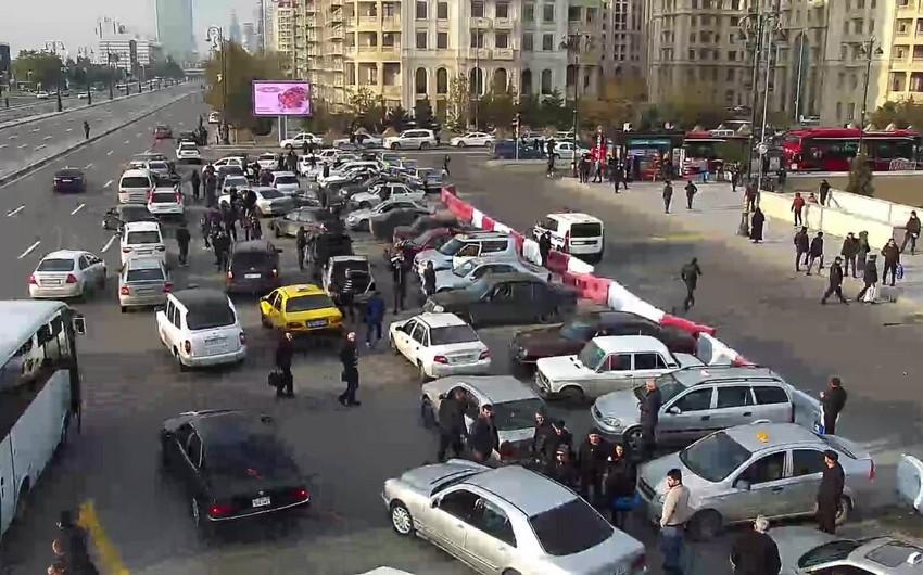 Bakı Nəqliyyat Agentliyi:Qanunsuz dayanma və ya durmaya qarşı mübarizə tədbirlərinə başlanılacaq