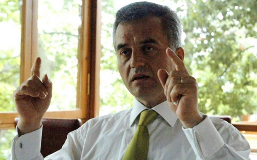 Türkiyədə FETÖ işi ilə əlaqədar axtarışda olan professor yaxalanıb