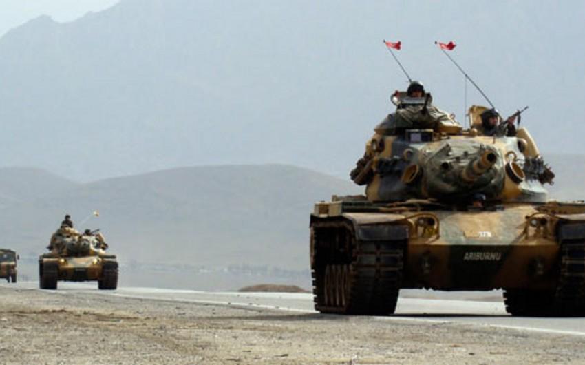 Obama Türkiyəni qoşunlarını İraqdan çıxarmağa çağırıb