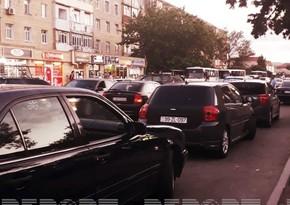 В Баку автомобиль сбил 17-летнюю девушку