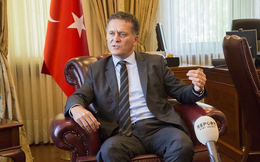 Səfir: Petkimdə çalışan əməkdaşların saxlanılması ancaq hüquq çərçivəsində icra edilir