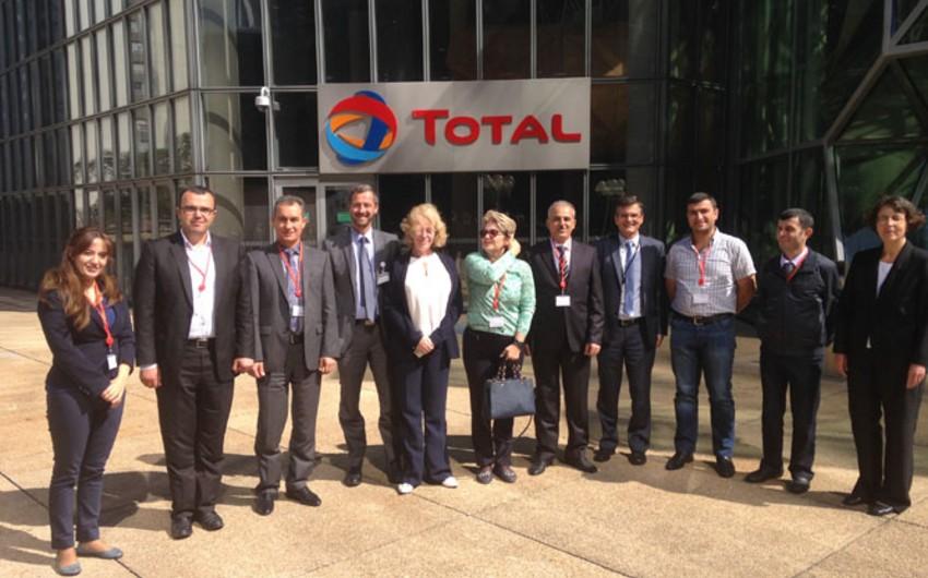 SOCAR və Total arasında insan resurslarının idarə olunması sahəsində əməkdaşlığın inkişafı müzakirə olunub