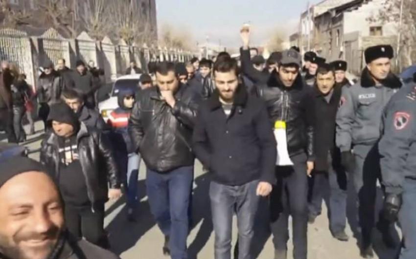 Ermənistanda müdafiə nazirinin keçmiş müavininin yenidən həbsi tələb edilir