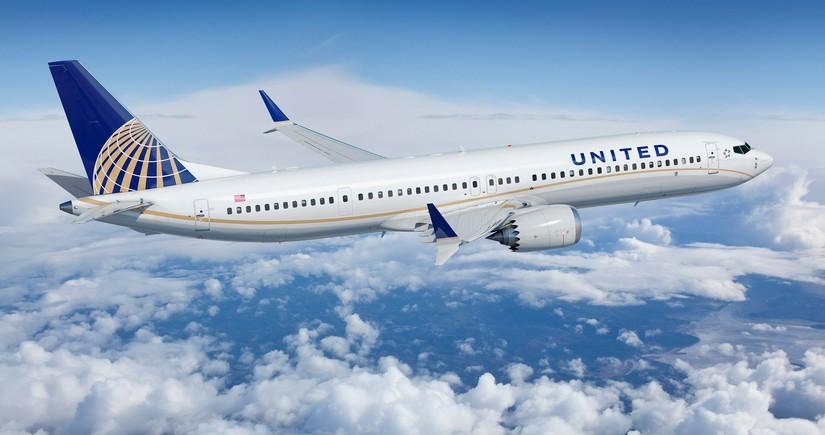 """""""United Airlines"""" 36 min işçisini məcburi məzuniyyətə göndərəcək"""